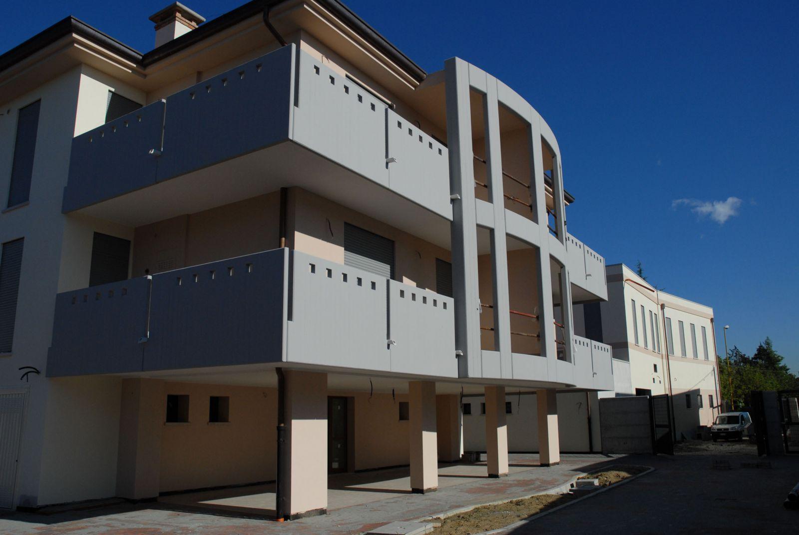 Ponte san nicol caserma dei carabinieri architetto for Piani di garage distaccati viventi del sud